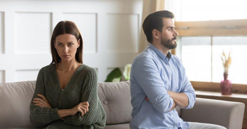 أسباب خصام الزوج لزوجته وطرق مصالحة الزوج