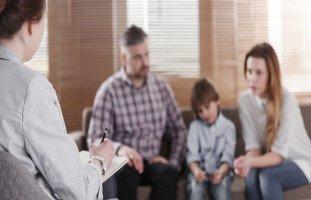 كيف تساعد طفلك على التعامل مع الموت والفقدان؟