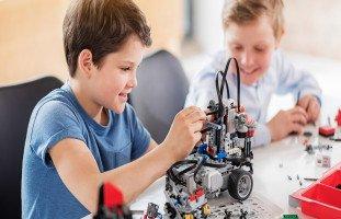 صفات الطالب الذكي والتعامل مع الطالب المميز في المدرسة والبيت