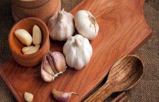فوائد الثوم وأهمية تناول الثوم للصحة
