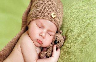 نوم الطفل في الشهر السابع وتنمية مهارات طفل 7 شهور