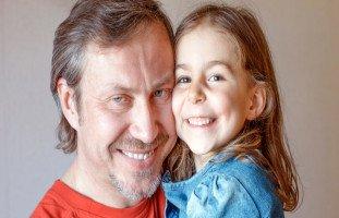 أعراض وعلاج عقدة إلكترا عند البنات الصغيرات