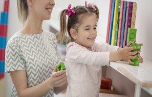 كيف تشجع الطفل دون مكافآت؟!