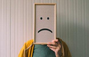 أعراض الاكتئاب السلوكية والجسدية والحسية