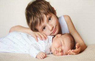 كيف يستعد الطفل لاستقبال أخ جديد؟