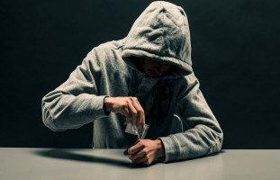 أضرار الكوكايين وأعراض إدمان الكوكايين
