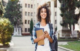 أفضل التخصصات الجامعية للبنات ونصائح اختيار التخصص المناسب