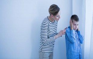 تعديل سلوك طفل التوحد: العنف والرفرفة والصراخ والعناد