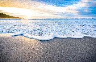 تفسير المد والجزر في المنام وحلم تراجع البحر