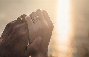 الزوج في المنام وتفسير رؤية الزوجة لزوجها في الحلم
