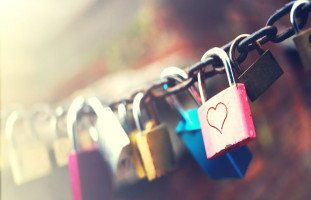 هل يتحول الحب إلى صداقة؟ وهل صداقة بعد الحب كذبة؟