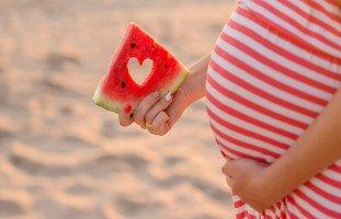فوائد البطيخ الأحمر للحامل والجنين وأضرار البطيخ