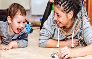 أهمية اللعب مع الأطفال ودليل اللعب مع الطفل