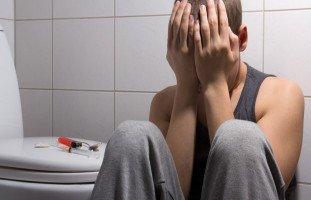عوامل انتشار المخدرات بين الشباب وطرق الوقاية منها