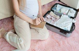 تجهيز حقيبة الولادة للأم والطفل (حقيبة المستشفى للولادة)