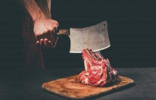 تفسير رؤية الجزار في المنام ومحل الجزارة بالتفصيل