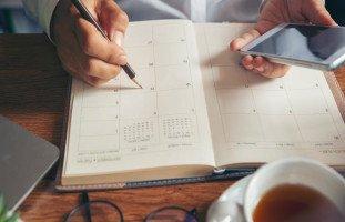 كيفية استخدام البلانر أو الأجندة لتنظيم الأهداف والمواعيد
