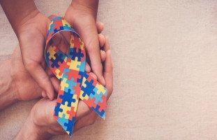 أعراض مرض التوحد عند الكبار