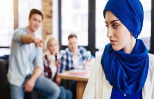 التمييز والتنمر في مكان العمل ومواجهة التنمر في العمل