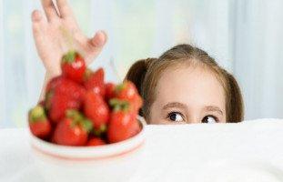 السرقة عند الطفل أسبابها وعلاجها