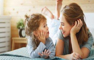 الطفل الثرثار والتعامل مع الطفل كثير الكلام