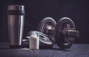 فوائد بروتين مصل اللبن للصحة وبناء العضلات