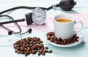 أطعمة ومشروبات ترفع ضغط الدم ونصائح تجنب ارتفاع الضغط