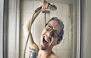 الاستحمام في المنام وتفسير رؤية الغسل والاغتسال في الحلم