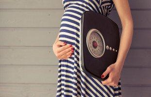 أسباب زيادة الوزن خلال الحمل والحدود المسموح بها