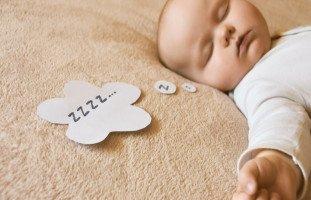 انحسار النوم عند الرضع في الشهر الثامن وكثرة البكاء