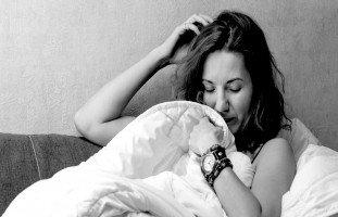 تفسير رؤية الزوجة عارية في المنام وحلم تعري الزوجة