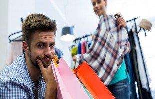كيف تجعلين زوجك يشاركك التسوق؟