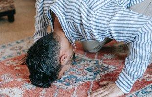 تفسير علامة السجود في المنام وعلامة الصلاة في الحلم