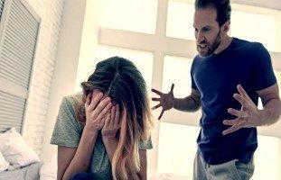 تفسير الشجار مع الزوج في المنام وحلم الخلاف الزوجي