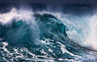 تفسير رؤية البحر الهائج في المنام بالتفصيل