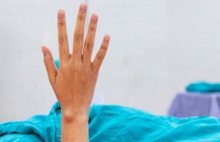 إجراءات عملية إزالة الكيس الدهني وما بعد العملية