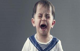 بكاء الأطفال والتعامل مع الطفل كثير البكاء