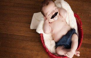 كيف أعرف أن ذكر طفلي سليم؟ علاج صغر حجم الذكر والعيوب الخلقية للعضو الذكري