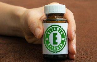 فوائد فيتامين E في ترطيب البشرة وتغذية الشعر