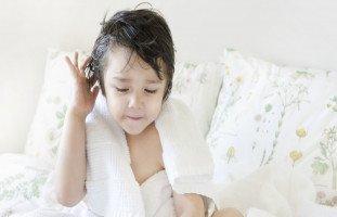 مشاكل شائعة في شعر الأطفال وعلاجها