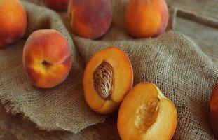 فوائد الدراق Peaches والعناصر الغذائية في الدراق