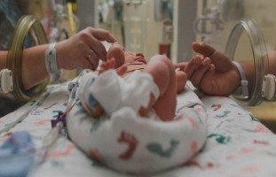 أعراض الولادة في الشهر السابع (تجربتي مع الولادة في الشهر السابع)