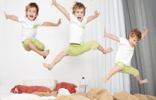 7 طرق للتعامل مع فرط الحركة عند الأطفال