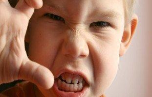 العدوانية عند الطفل: أسبابها وعلاجها وطرق التعامل معها
