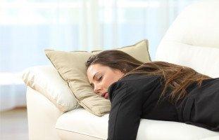 أسباب كثرة النوم وطرق علاج النوم القهري