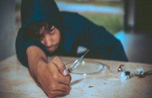 ماذا تفعل المخدرات بجسم الإنسان؟ آلية عمل المخدرات في الجسم