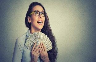 فرص زيادة الدخل للمرأة والتحرر المالي للنساء