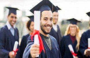 دراسة تخصص ثاني بعد التخرج الفوائد والتحديات