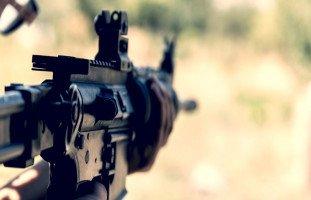 تفسير السلاح الناري في المنام وحلم المسدس والرشاش