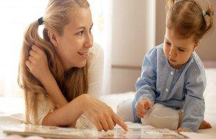 كيف أنمي ذكاء طفلي عمره سنتين؟ علامات الذكاء عند الأطفال